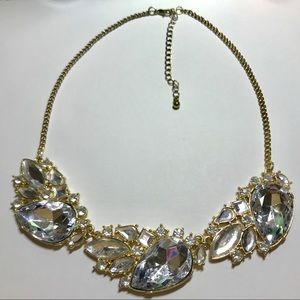 Jewelry - Clear & Gold Statement Necklace